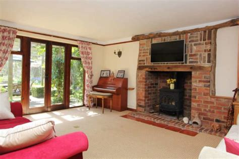 4 Bedroom House For Rent In Reading by 4 Bedroom Detached House To Rent In Reading Road