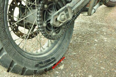Motorrad Reifen Falsche Laufrichtung by Reisebericht Einer Motorradreise 252 Ber Sibirien In Die