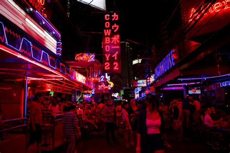 a guide to bangkok s light districts