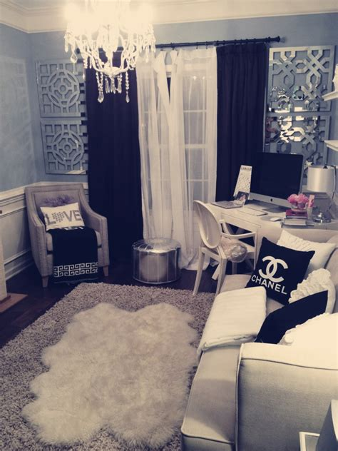 Walk In Closet Dressing Room by