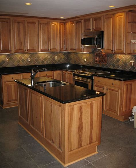 slate backsplashes for kitchens best 25 slate kitchen ideas on pinterest dark cabinets