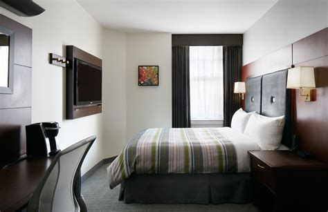 what is club room club quarters hotel in houston a business hotel in downtown houston tx
