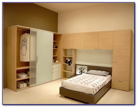 wardrobe ideas for small master bedroom bedroom home design ideas 647ydm29zx