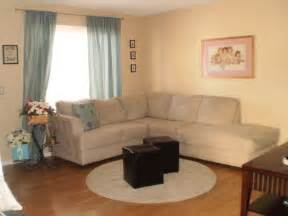 curtains that go with beige walls what color of curtains pillows will match