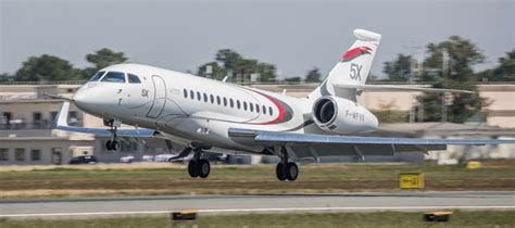 dassault si鑒e social maiden flight for falcon 5x corporate jet investor