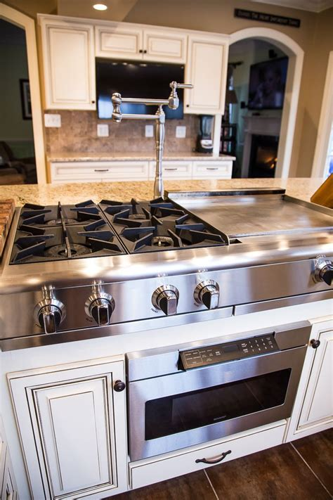 kitchen island with cooktop the 25 best island stove ideas on island cooktop kitchen island with cooktop and