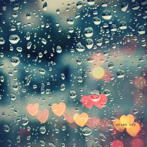 rainy days das de monsoon fashion do s and don ts writerspad