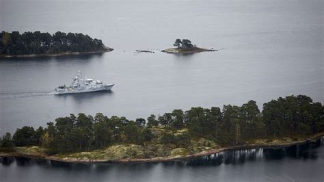 Swedish Search A Mysterious Submarine Is Lurking In Sweden And Fingers Point To Russia