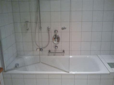 Badewanne Mit Duschwand quot badewanne mit duschwand quot hotel gr 252 ner baum in bad waldsee