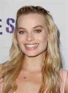 Bed Head Hair Make Margot Robbie Your Lazy Hair Muse Honey