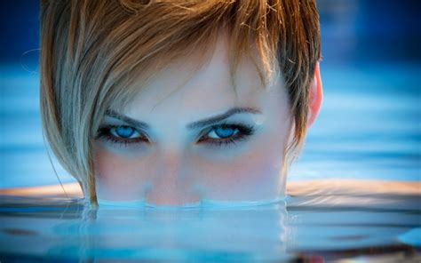 girl eyes themes woman girl beautyful face redhead blue eyes pool wallpaper