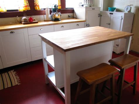 Small Kitchen Islands With Stools by