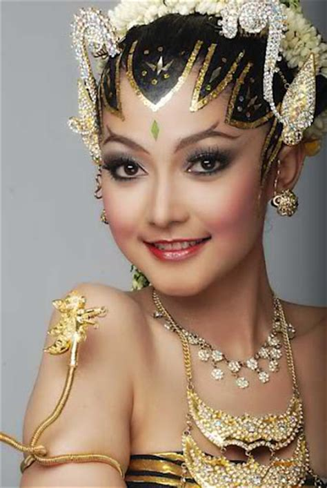 Make Up Pengantin Sanggar Liza contoh paes ageng make up by tami