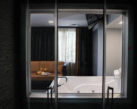 alberghi con vasca idromassaggio in napoli deluxe con vasca idromassaggio hotel jfk napoli 3