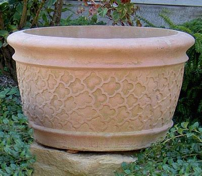 Decorative Concrete Planters by Decorative Concrete Pots 171 Home And Garden Decorating Ideas