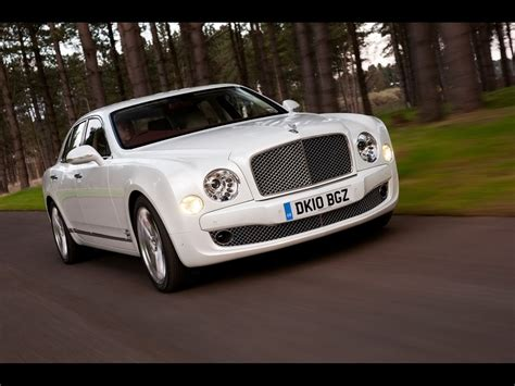 2010 Bentley Mulsanne White Front Angle Speed 1024x768
