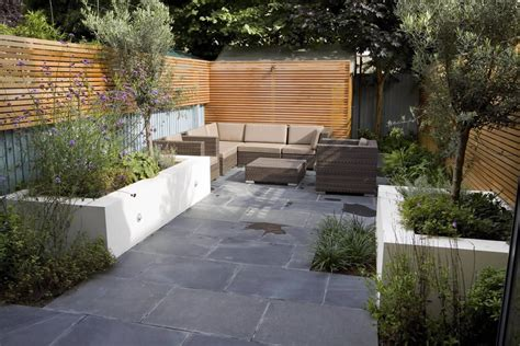 Contemporary Garden Design Ideas Uk Small Contemporary Designed Garden In Putney With Rendered Raised Beds Slate And Basalt Paving
