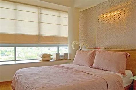 Luxury Small Bedrooms by Luxury Bedroom Decorating Decobizz