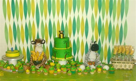 Jungle Themed First Birthday Decorations - first birthday party jungle themed cakecentral com