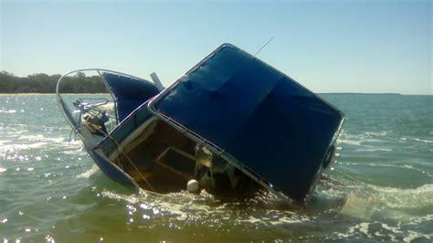 redland bay boat r capsized boat rescue near coochiemudlo island photos