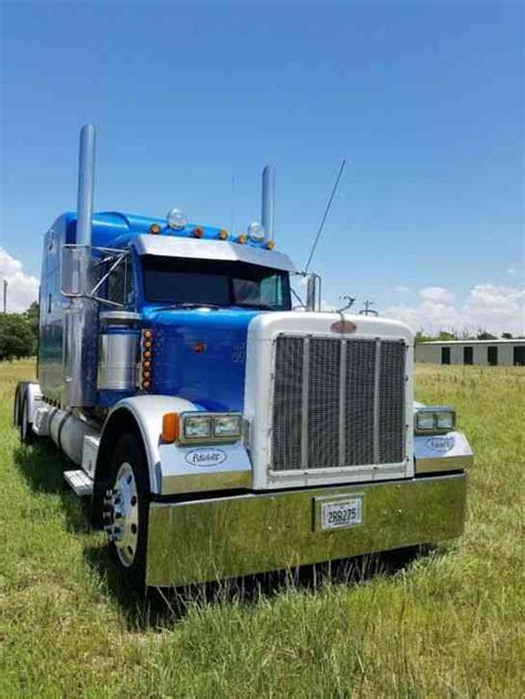 peterbilt   sleeper semi trucks