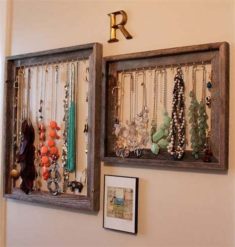 How To Reuse Old Picture Frames Into Home Decor | how to reuse old picture frames into home decor