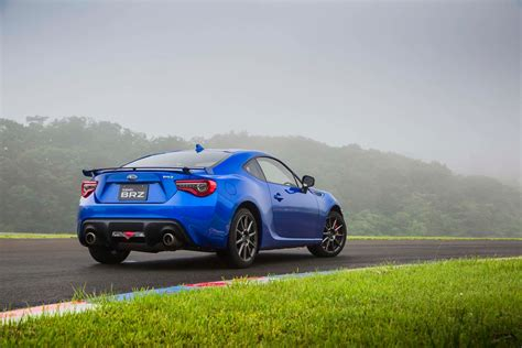 black subaru brz 2017 2017 subaru brz first drive review motor trend
