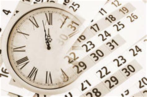 Iowa Time Mba Calendar by Colonia De Setas No Comestibles De Madera En Un Tronco