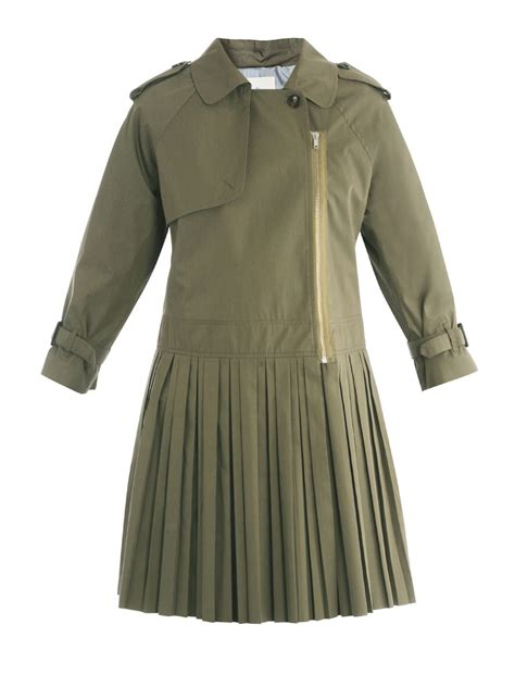 band of outsiders pleated skirt trench coat in green lyst