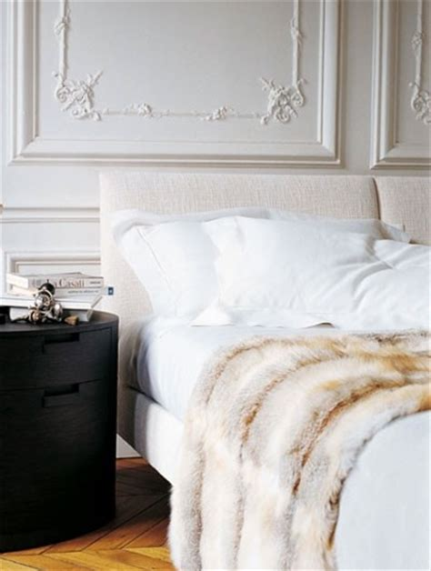 Fur Bedroom Decor by Crushing On Decorating With Faux Fur Blankets In The