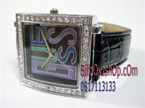 Jam Tangan Guess New Leather harga jam tangan guess gambar foto jam tangan