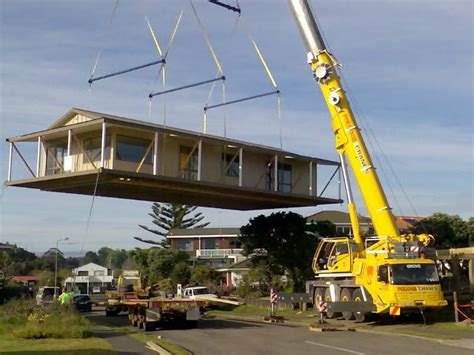 Tiny House Companies cranes aren t scary the relocatable house co the