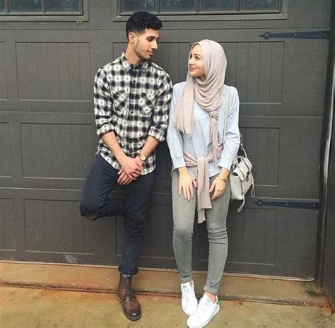S2r Souvenir Pin Muslimah latifa x muslimah