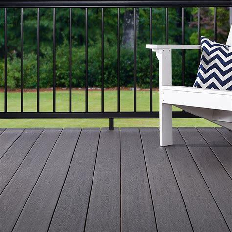 terrasse en bois composite lame fiberon symmetry decklinea