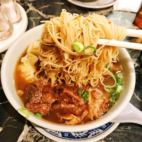 noodle house near me kenny s noodle house 410 photos 335 reviews cantonese 8305 se powell blvd