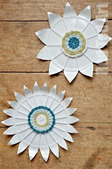 Paper Plate Weaving Craft - paper plate weaving how to