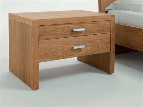 nachttisch echtholz 1000 ideas about wooden bedside table on