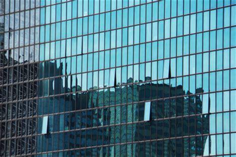 Sichtschutzfolie Fenster Auch Bei Nacht by F 252 R Sichtschutz Sorgen Fensterscheiben Verspiegeln