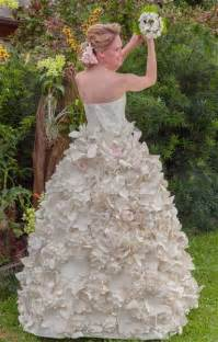 paper wedding dress these gorgeous wedding dresses are made from toilet paper