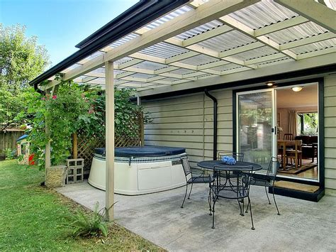 using corrugated plastic for patio cover   LandEscapes