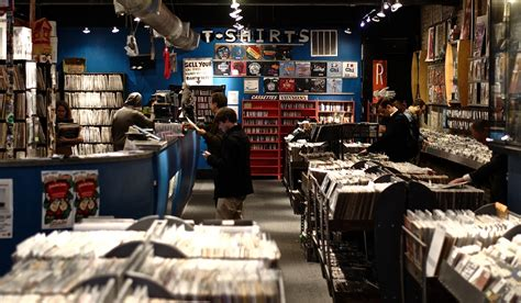 Clerk Search The Real Chicago The Vinyl Resurgence Record Stores Are The Place To Be Again In