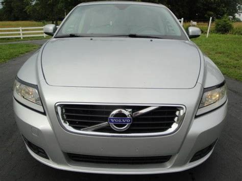 sell  volvo  sport wagon sunroofmoonroof leather    owner  lease  mpg