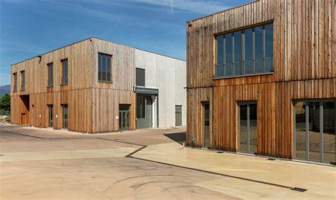 capannone in legno edilizia industriale doppia tecnologia costruttiva in