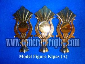 Piala Trophy Kaki 2 Bagus Dan Murah agen piala trophy murah jual sparepart piala plastik jakarta