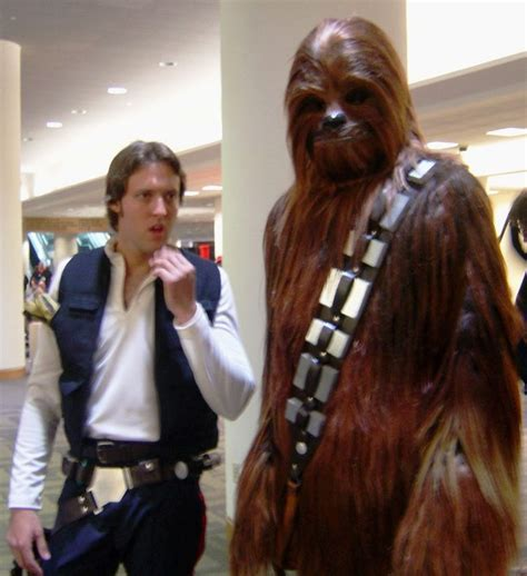 film gratis razboiul stelelor file han solo and chewbacca costumes jpg wikimedia commons