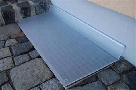 Lichtschachtabdeckung Selber Bauen by Acrylglasplatten Regenschutz Lichtschachtabdeckungen
