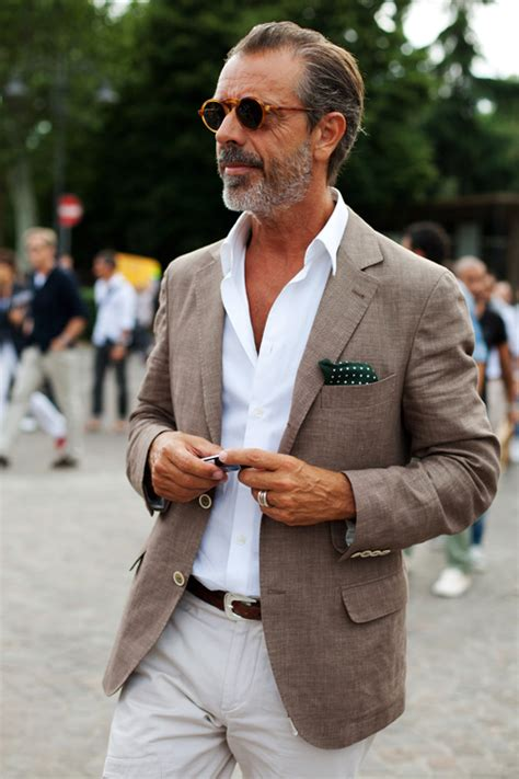style for a 30 year old man how should a 50 year old man dress for summer how to