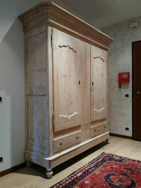 armadi decapati restauro armadio 800 decapato antichit 224 e restauro