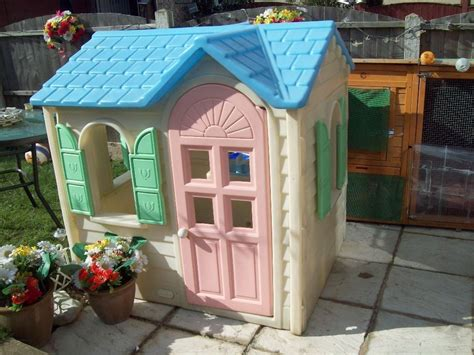 yellow tikes country cottage play house wendy house