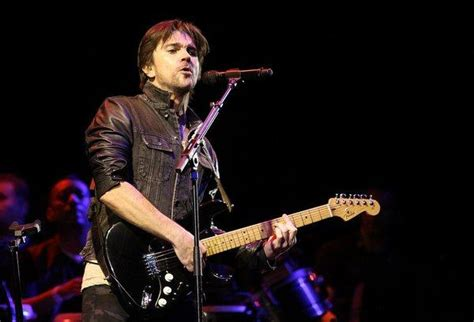 juanes biography in english juanes autobiography to be released in english and